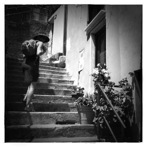Une Diva dans les escaliers IPhoneography NEM Black&white Mobileart The Minimals (less Edit Juxt Photography)