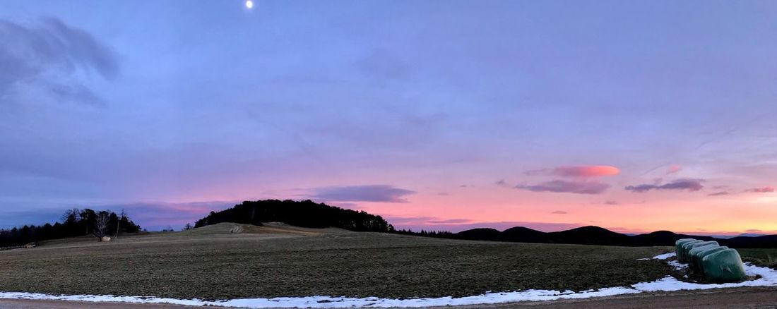 Real People One Person Sky Field Tranquil Scene Sunset Winter Warm Clothing Landscape Rural Scene Scenics Tranquility Men Cold Temperature Cloud - Sky Agriculture Snow Nature Outdoors Beauty In Nature