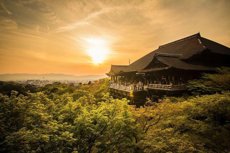 古蹟 Historical Building 夕陽 Sunset 旅行 Travel 日本 Japan 和服 Kimono 寺廟 Temple 攝影 Photography 廣角 Wide Angle