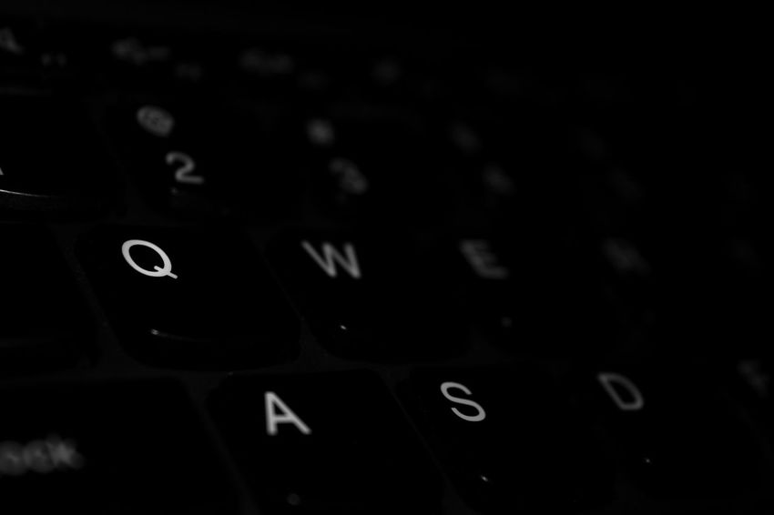 classic Typing Metode Qwerty Text Backgrounds Black Blackandwhite Close-up Computer Key Indoors  No People Qwerty Keyboard Technology
