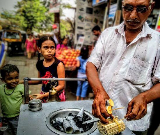 Best childhood memory😍 Outdoors Indian Street KulfiMan Kulfi Indian Dessert Childhood People EyeEmNewHere Eyemgallery Eyeemphotography