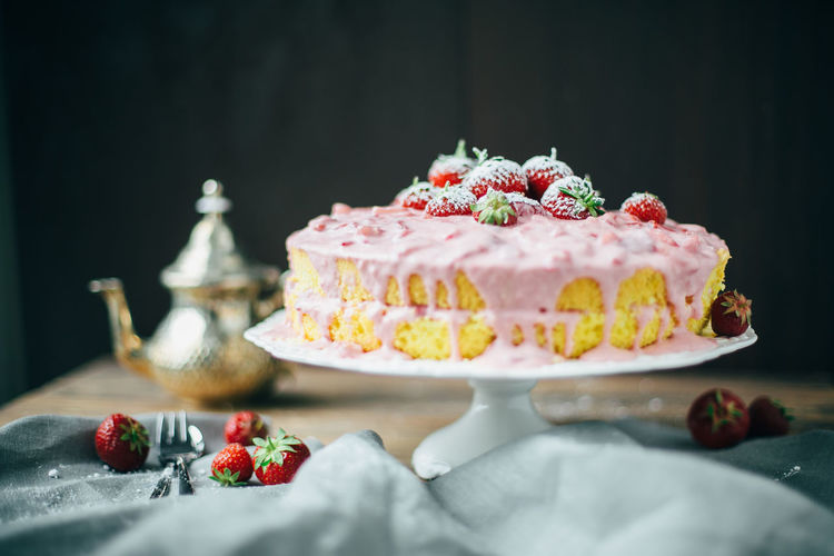 Baked Baked Pastry Item Berry Fruit Black Background Cake Dessert Floral Pattern Food Food And Drink Freshness Fruit Indulgence Mint Leaf - Culinary No People Ready-to-eat Selective Focus Still Life Strawberry Sweet Sweet Food Table Tart - Dessert Temptation Unhealthy Eating