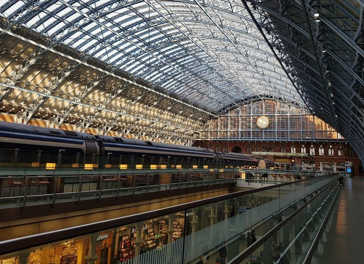 London St Pancras International Station Eurostar 2017 2017 2017 Year Eurostar Terminal London LONDON❤ London London Lifestyle St Pancras St Pancras International St Pancras Station Travel Photography Architecture Built Structure Day Indoors  London_only Londonlife Modern No People Public Transportation Rail Transportation Railroad Station Railroad Station Platform Transportation Travel Destinations Travelphotography