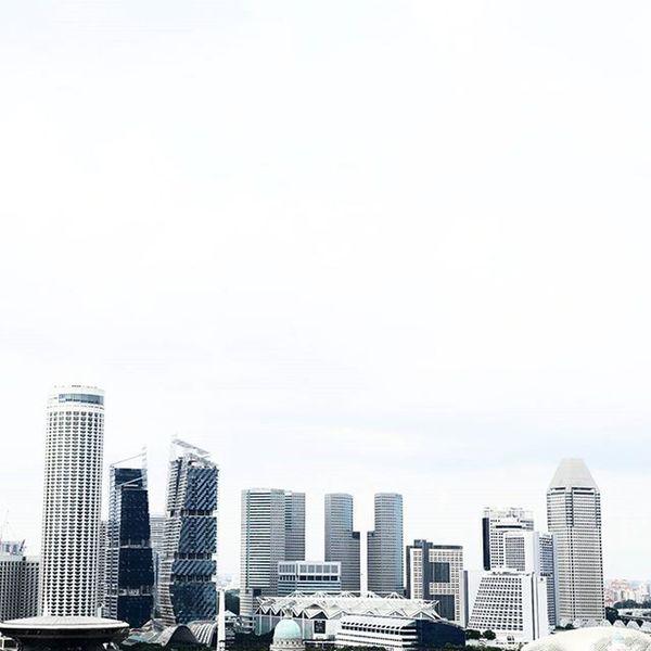 """Anymore, no one's mind is their own."" — Chuck Palahniuk Madaboutsingapore2015 Madaboutsingapore"