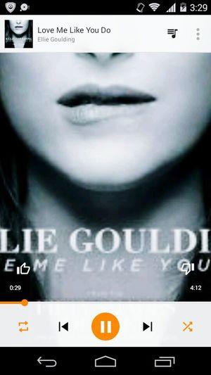 Ellie Goulding ❤ Melhordomundo Amomesmo Domingão Agitado♥ EyeEmBrasil Aproveitarcadamomento Lovemelikeyoudo 🎶💕👍👍👧 Goodnight✌