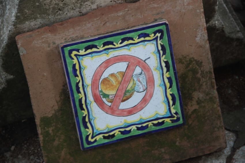 No food... Ceramic Do Not Eat Drink Lovely No Food Painted Sandwich Sign Warning Warning Sign