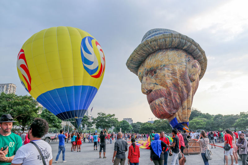 Hot Air Balloons Festival Ballooning Festival Crowded People Day Hot Air Ballons Hot Air Balloon Hot Air Balloon Festival Hot Air Ballooning Large Group Of People Malaysia Outdoors People Putra Jaya Vincent Van Gogh