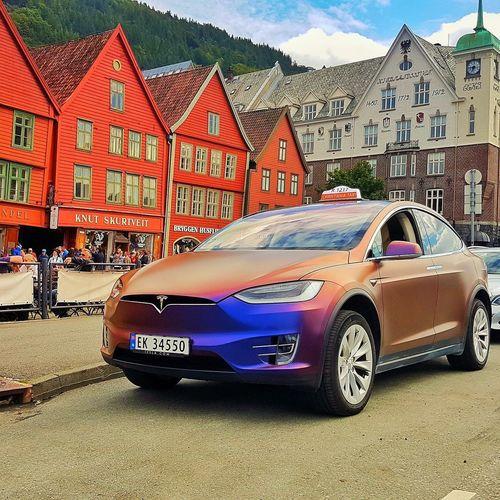 Tesla Model X Tesla Bergen Norway🇳🇴 EyeEm Selects EyeEmNewHere Breathing Space EyeEm LOST IN London Sky City Road Transportation