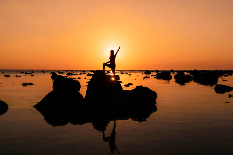 Andaman sea and beautiful sunset what a woman at Phuket thailand Phuket Thailand Phuket Andaman Andaman Sea Andaman Islands Island Islands Woman Family Sun Sunset Sunlight Sunset_collection Sunshine Colorful Twilight Amazing Thailand Thai Sea Seascape Sea And Sky Beautiful Landscape Nature