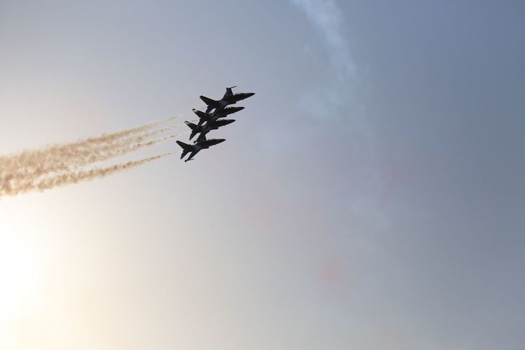 Flying Low Angle View Airshow Transportation Teamwork Sky Airplane Speed Vapor Trail Air Vehicle Mode Of Transport Mid-air Fighter Plane Smoke - Physical Structure Military Airplane Motion No People Arrangement Outdoors Day Korean Army Black Eagle