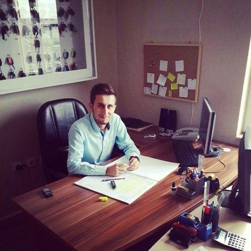 Yeni işim yeni masam hayırlı olsun. ???✌Instagram Instalike Instalove Napcazböyle işlergüçler