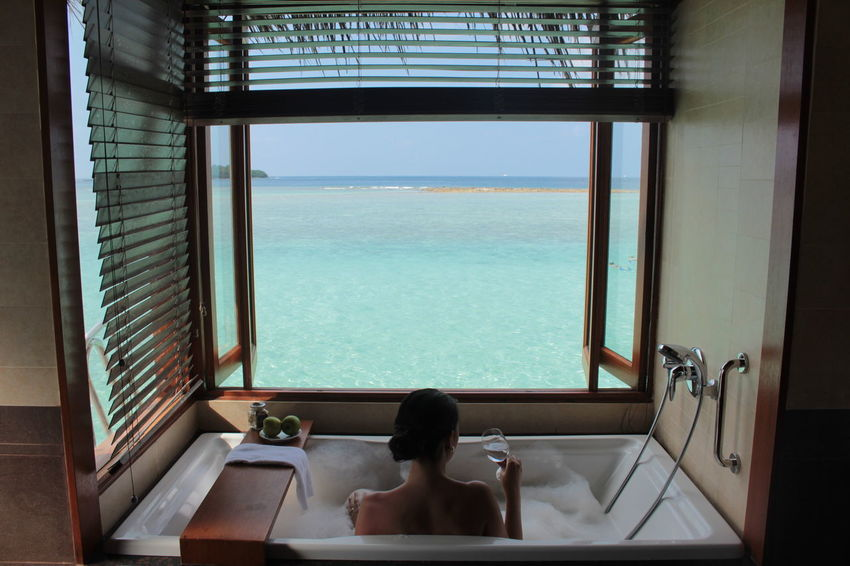 Adults Only Bathtub Domestic Life Health Spa Healthcare And Medicine Healthy Lifestyle Hotel Indoors  Leisure Activity Lifestyles Luxury One Woman Only One Young Woman Only Only Women Pampering Relaxation Spa Swimming Pool Tourist Resort Travel Vacations Water Wealth Wellbeing Young Adult