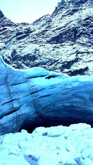 Deepfreeze Snow ❄ Icecave Mountain View