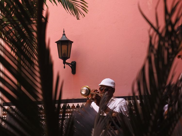Havanna, Cuba Latin Music Musique Real People One Person Low Angle View