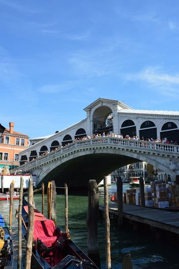 Arch Architecture Bridge - Man Made Structure Building Exterior Built Structure Canal Day Large Group Of People Outdoors People Ponte Rialto Rialto Rialto Bridge Rialtobridge RialtoMercato Sky Tourism Travel Destinations Vacations Venezia Venice Venice Canals Venice View Venice, Italy Water EyeEmNewHere Adapted To The City