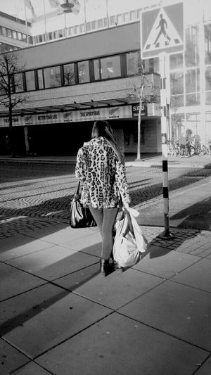 Waiting Shopping Streetphotography