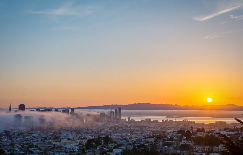 Beautiful sunrise and receding fog in San Francisco. Enjoying The Sun Light And Shadow Enjoying The View EyeEm Best Shots Urban Nature San Francisco Urban Landscape Sunrise The Traveler - 2015 EyeEm Awards