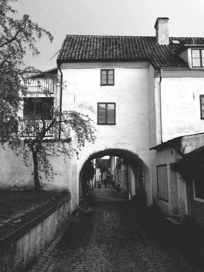 Walking and wondering Bw_collection SWEDEN_bw Architecture_bw Visby