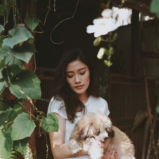 Garden Only Women Adult One Woman Only Young Adult Adults Only Beauty One Person Beautiful People Beautiful Woman People Women One Young Woman Only Young Women Fashion Pets Females One Animal Elégance Cute Fine Art Portrait Love Yourself