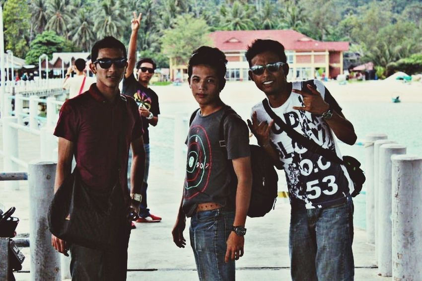 The Explorer - 2014 EyeEm Awards Photothat'me  Photofriends Friendship Never Ends #frienship #throwback2012 #beachparty #rastaFamily