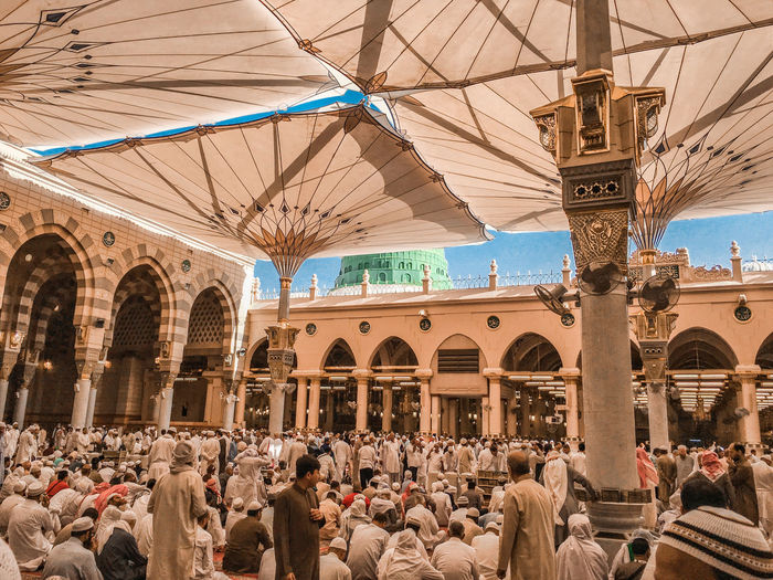 Architecture Masjidil Nabawi Madinah Adult Adults Only Architecture Building Exterior Built Structure Crowd Day Green Dome Indoors  Islamic Architecture Large Group Of People Men Mosque People Real People Sky Travel Destinations Women
