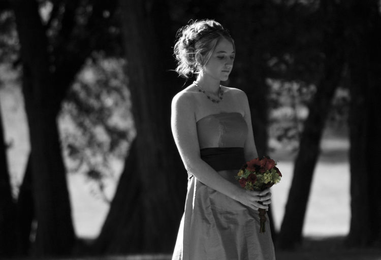 Bouquet Brides Maid Bridesmaid Bw Spooky Girl Girl With Flowers One Person One Woman Only One Young Woman Only Prom Dress Spooky Wedding Dress Young Adult
