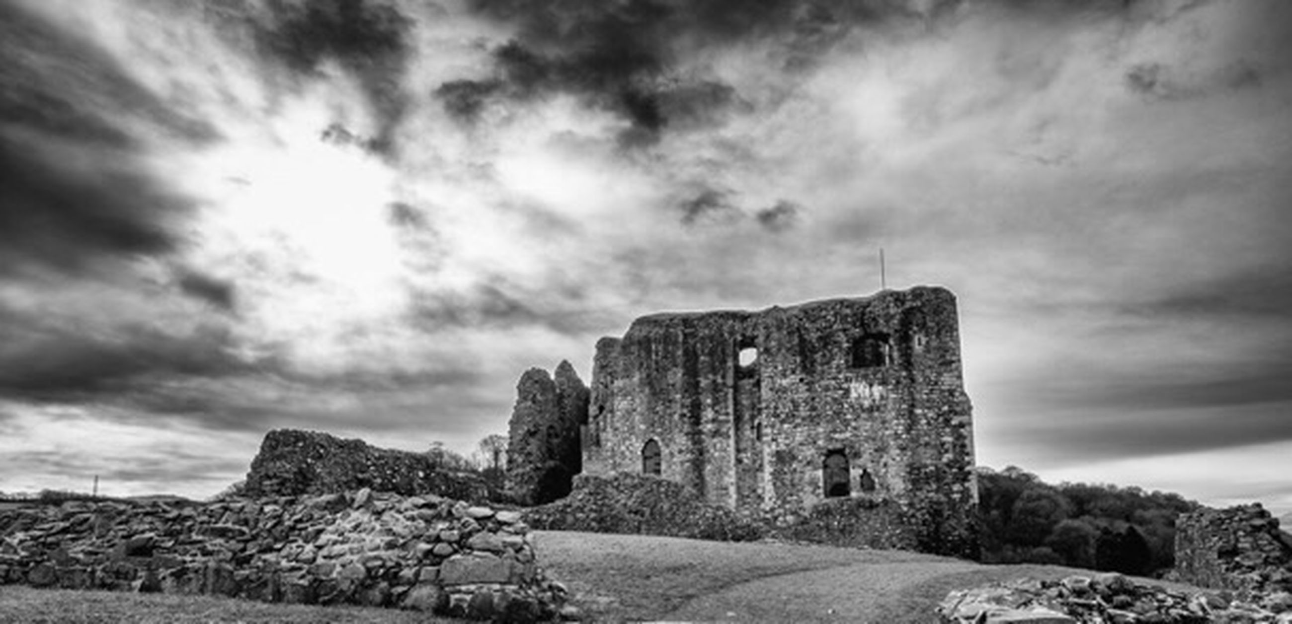 built structure, architecture, old, sky, history, the past, cloud - sky, building exterior, old ruin, castle, outdoors, deterioration, ruined, nature, cloudy, weathered, damaged, remote, medieval, ancient, obsolete, tranquility, non-urban scene, no people, solitude, cloudscape, beauty in nature