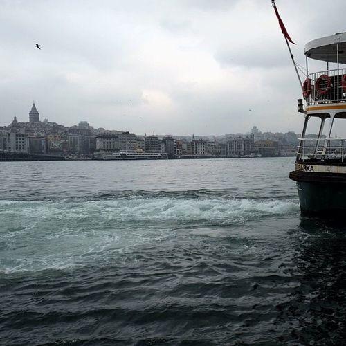 Eminönü tarafindan Galatakulesi Feribot Marmara deniz sea architech mimari city ferry istanbul