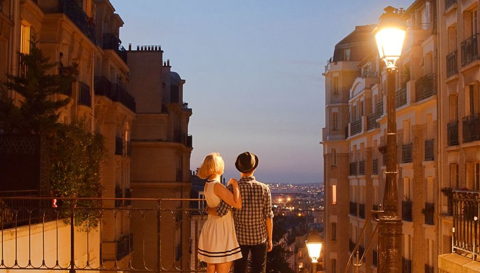 EyeEmNewHere Montmartre, Paris Nightphotography ParisByNight Parisienne City Coupletravel Lovebirds