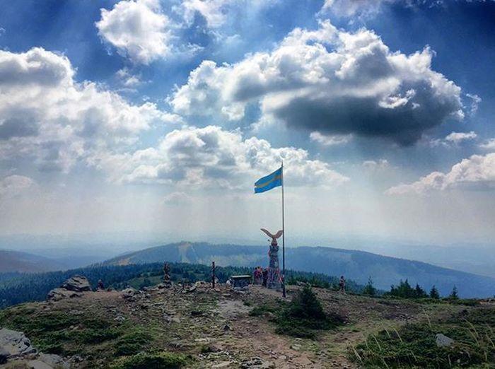 Capture The flag! . .History Mik Ikozosseg Cloudporn VividHDR Takenwithiphone IPhone Ig_europe Ig_worldclub Takenwithiphone Picoftheday Photooftheday Harghita Harghitamadaras Transylvania Romania Ig_romania