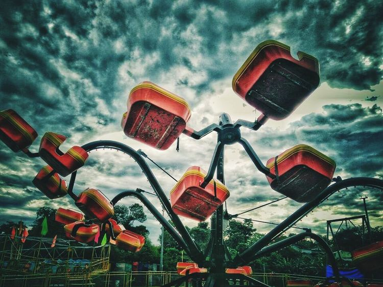 Only in the philippines. 🎡🎢🎠 Octopus Ride Amusementpark Philippines Perya Pinoy Extreme Adventures Park EyeEm Best Shots EyeEm Best Edits Eyeem Philippines
