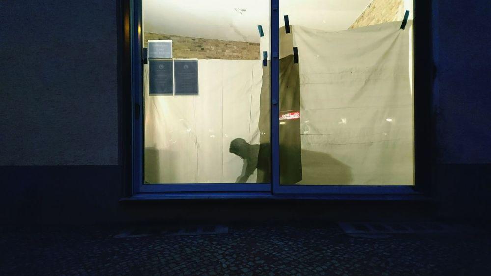 Capture Berlin Abend Outdoors Bauarbeiter Bauarbeiten Wand Blue Blau Minimalism Abendstimmung