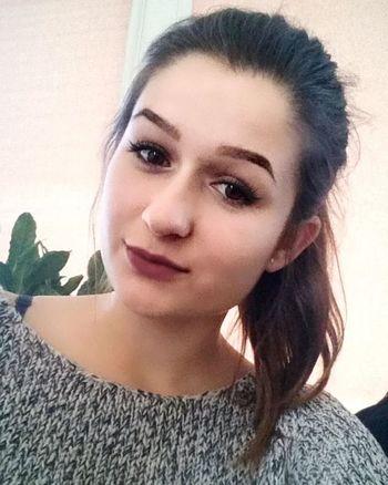 Chora Ale Piekna Haha Beka Polishgirl Tęsknię Juz Misshim Like4like I Tak Nie Oddaje Pozdrawiam