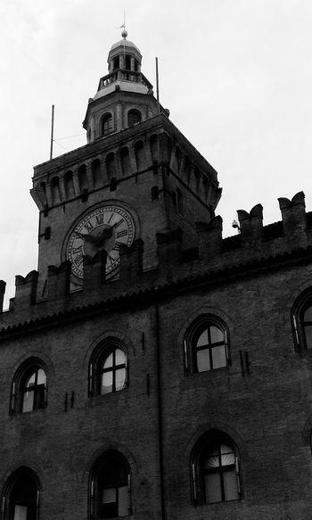 Bologna😍 Travel Destinations Architecture Low Angle View Italy🇮🇹 Bologna Bologna, Italy Bologna Centro Architecture c