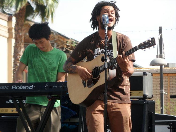 Andres Rodriguez, lead singer of The Veragroove Party Concert Reggae Cinco De Mayo