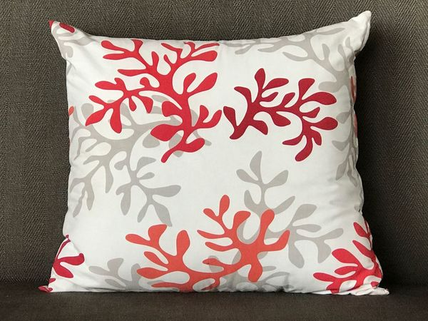 Coussin Motifs Motif  Rouge Blanc Gris Rouge Blanc Gris Carré The Week On EyeEm
