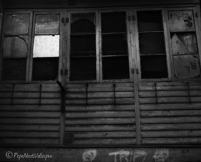 Window Architecture Streetphotography Abandoned Street Photography Poladesiero Blackandwhite Photography Blackandwhite Blancoynegro Black&white Blackandwhitephotography Pola De Siero Black And White Black And White Photography Abandonedasturias Abandoned Buildings