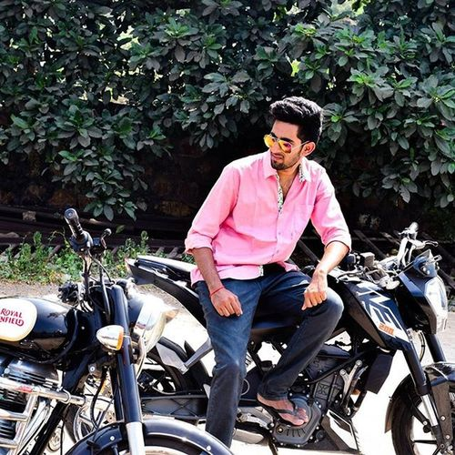 Fun Photoshoot DUKE  Royalenfield Bikeslover Mirrors 25thpost Quartermile Pic_captured : @manohartemper