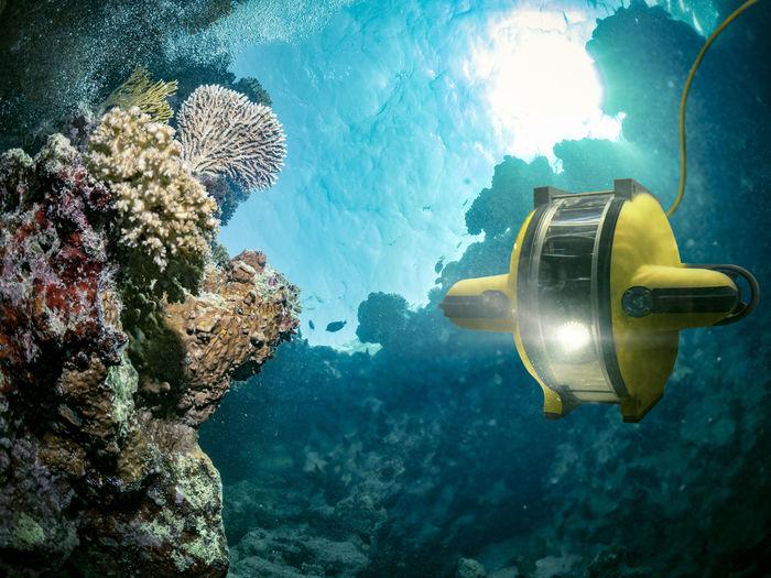 Robot submarine underwater