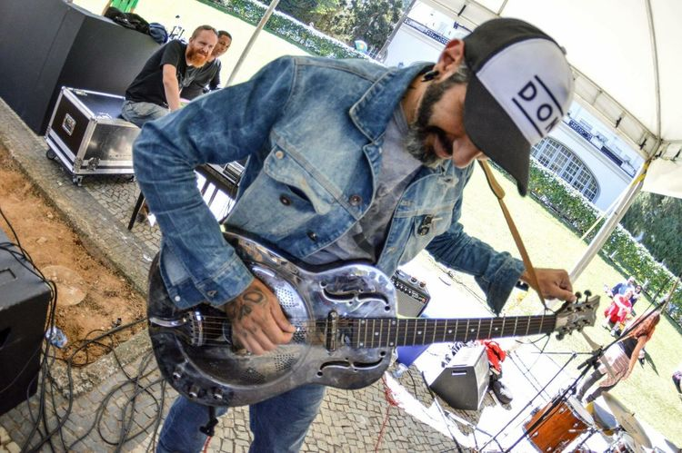 Dudu Valle ( Medulla ) por Karen Tribuzy Music Musician Music Is My Life Guitar Rock Photooftheday Photography Brasil Brazilian Capture The Moment Capture Capture_today Fotografia Check This Out That's Me Registration Rock'n'Roll