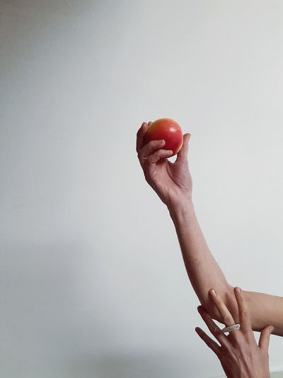hand with apple Red Color Portrait Woman Portrait Light And Shadow Part Of Body EyeEm Best Shots Ring Visual Creativity Human Hand Red Picking Up Holding Hand Copy Space Close-up Finger Body Part Apple - Fruit Granny Smith Apple Human Finger The Minimalist - 2019 EyeEm Awards