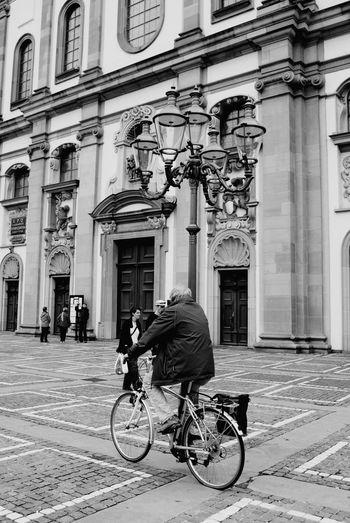 Blackandwhite Black & White Bysicle Cherch Live Life Lucerne Switzerland Fahrrad Stadt Luzern Kirche Stadtaugenblick Hello World