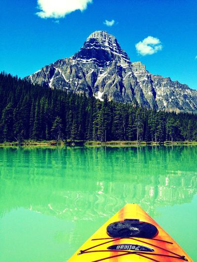 Mountain View Hanging Out Emeraldlake Alberta Kayaking Rocky Mountains Fuckeverything Windtravellers