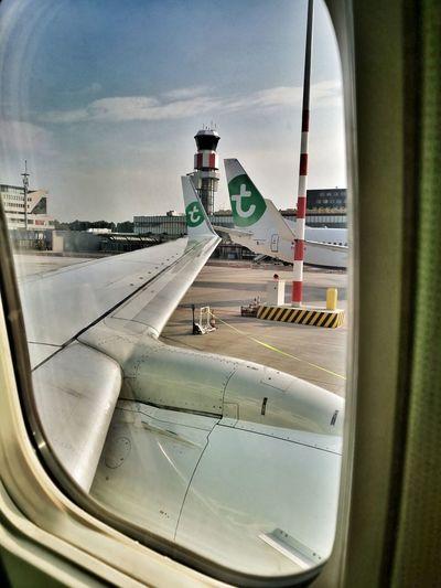 Rotterdam, Netherlands Airport 🛫✈️🤘🏻☄🌜 Go Home Nice Day 🙌😄 Sunnyday☀️
