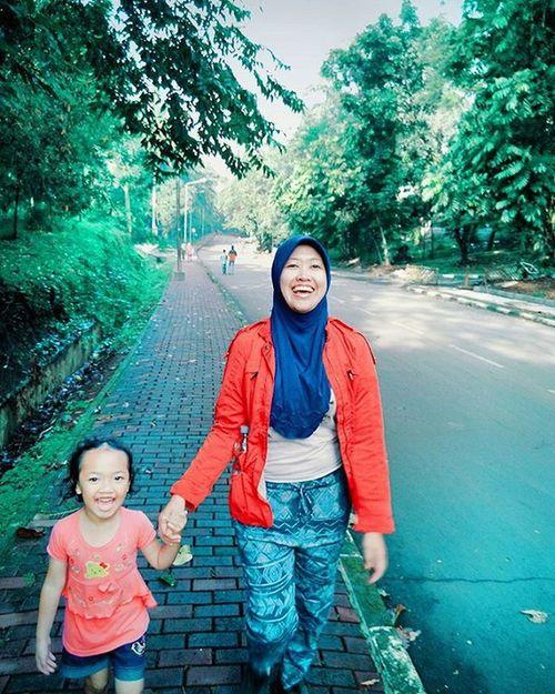 Family Morning Jogging Ipb Bogor via Vscocam Red Zaraparka by @millie_brandedstore 😍