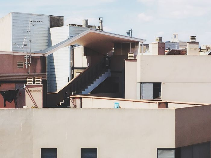 Residential District Architecture House Balcony Tenement Houses Apartment House Architecture_collection Minimalist Architecture Rooftop Rooftops Barcelona Architecture Barcelona Streetphotography Barri Gótic Minimal_perfection Spanish Arquitecture SPAIN Barcelona City Chimney Sky Roof #urbanana: The Urban Playground