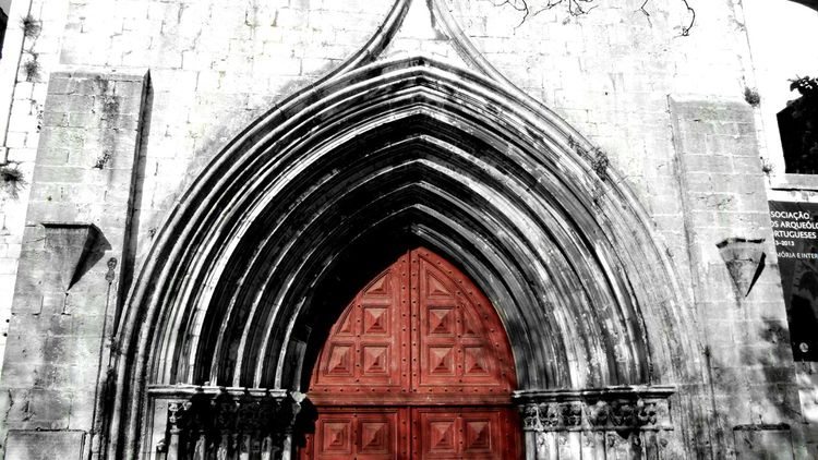 Churchdoor Church Door Red Lisboa Portugal Architecture Arch City Streetphotography Urban Exploration Red And Black EyeEmBestPics Clasic Red Door Street