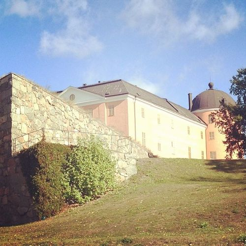 The castle on the hill. Uppsalaslott Uppsalacastle Slott Castle castles uppsala tiundaland uppland sverige sweden picoftheday tagsforlikes instacastle instacastles