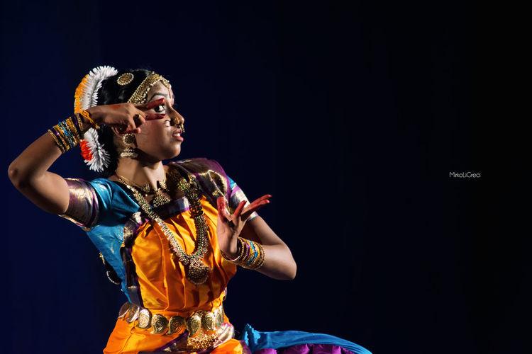 Passione Bharatanatyam Black Background Studio Shot Dark Culture Classical Dance Tamils Tamilgirl Bharat Tamil Culture Dancerslife Photographer Igersitalia Fotografia Black Tamil India Teatro Sicily Photography Dance Sri Lanka Dancing Youth Culture Person Photooftheday