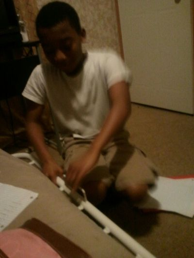 Helpn Him Wit His Homework & He Aint Payn Attention